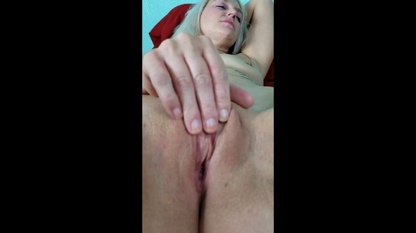 [SD] Ohiohotwife823 I Touch Myself When I Think Of You OhioHotwife823 - ManyVids-00:02:04   Finger Fucking,Solo Masturbation,Pussy Play,Hot Wives - 27 MB