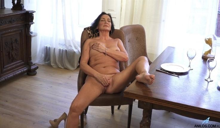 [Full HD] Olivia Westervelt - Amateur Masturbation 04.03.20 Mix - SiteRip-00:13:59 | Black Hair, Solo, Short hair, Big Areolas, Over 60, Granny, High Heels, Evening wear, Shaved Pussy, Big Boobs - ...