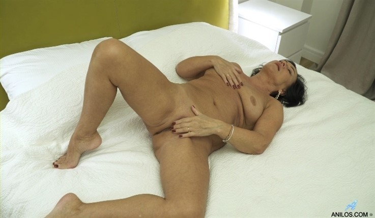 [Full HD] Olivia Westervelt - Blushin Russian 06.03.20 Mix - SiteRip-00:13:18   Big Boobs, Panties, Over 60, Shaved Pussy, Bras, Short Hair, Solo, Granny, Black Hair, Big Areolas - 810,4 MB