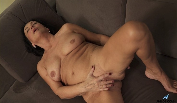 [Full HD] Olivia Westervelt - Private Pleasures 08.03.20 Mix - SiteRip-00:13:41 | Big Boobs, Over 60, Short Hair, Big Areolas, Shaved Pussy, Black Hair, Granny, Solo - 815,6 MB