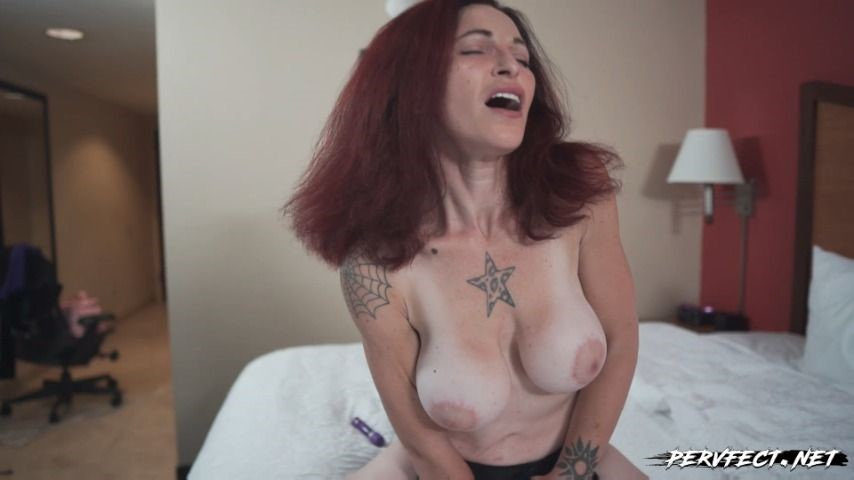 [Full HD] Pervfect Ms Vanessa Goes To Town Pervfect - ManyVids-00:14:46 | Big Tits,Dildo Fucking,Masturbation,Orgasm Control,Solo Female - 382,6 MB