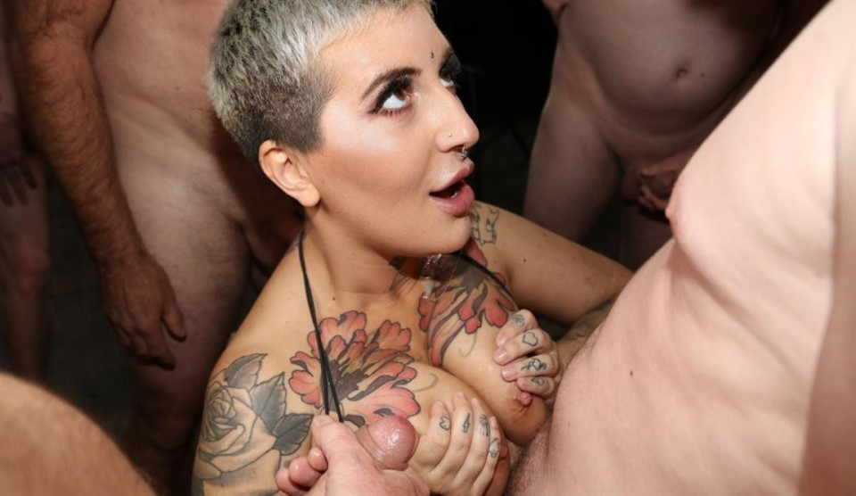[Full HD] Pixie Peach, QueenieB - The Bad butler brings Pixie and Queenie to a bukkake Pixie Peach, QueenieB | | | | - SiteRip-00:09:20 | Facial, Cumshot, Handjob, Tattoo, Deep Throat, Cum in Mouth...