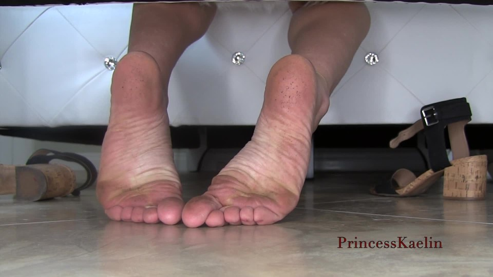 [Full HD] Princess Kaelin Behind Me Dirty Foot Ignore Princess Kaelin - ManyVids-00:11:04 | Foot Fetish,Foot Domination,Ignore,Wrinkled Soles,Dirty Feet - 111,4 MB