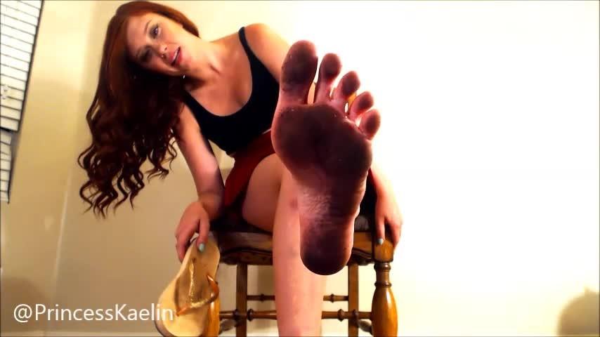 [SD] Princess Kaelin Foot Dog Cleans My Very Dirty Feet Princess Kaelin - ManyVids-00:10:26 | Dirty Feet,Femdom POV,Foot Fetish,Foot Humiliation,Foot Slave Training - 140 MB