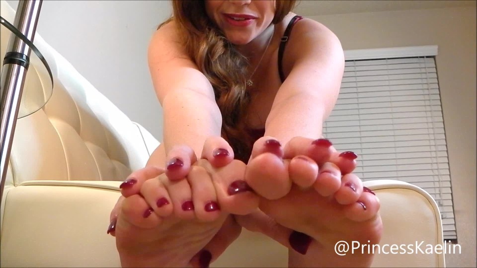 [Full HD] Princess Kaelin Get Fit For My Feet Princess Kaelin - ManyVids-00:08:01 | Foot Slave Training,POV Foot Worship,Foot Domination,Losing Weight,Foot Fetish - 1,3 GB
