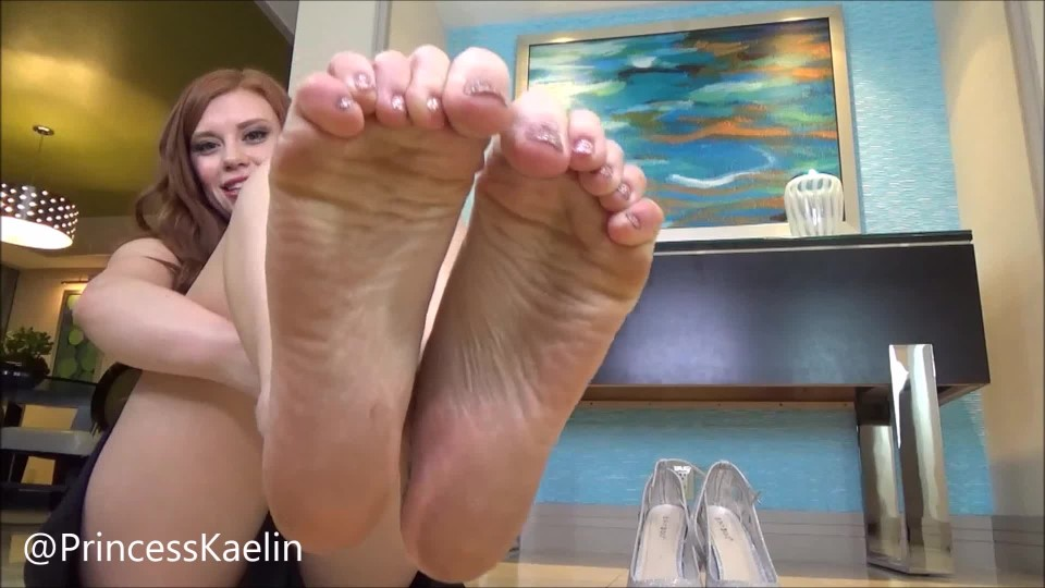 [Full HD] Princess Kaelin Tongue Bath For My Dirty Feet Princess Kaelin - ManyVids-00:06:52 | Dirty Feet,Foot Domination,Foot Slave Training,POV Foot Worship,Brat Girls - 898,6 MB