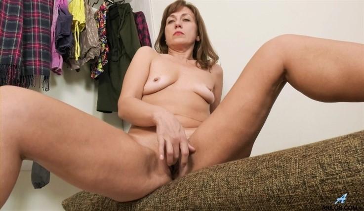 [Full HD] Rafaella - Give Me More 02.08.20 Mix - SiteRip-00:15:46 | Medium Boobs, Puffy Nipples, Stockings, Panties, Fair Skin, Shaved Pussy, Long hair, Blonde, Solo, Short Girls, Lingerie - 1,3 GB