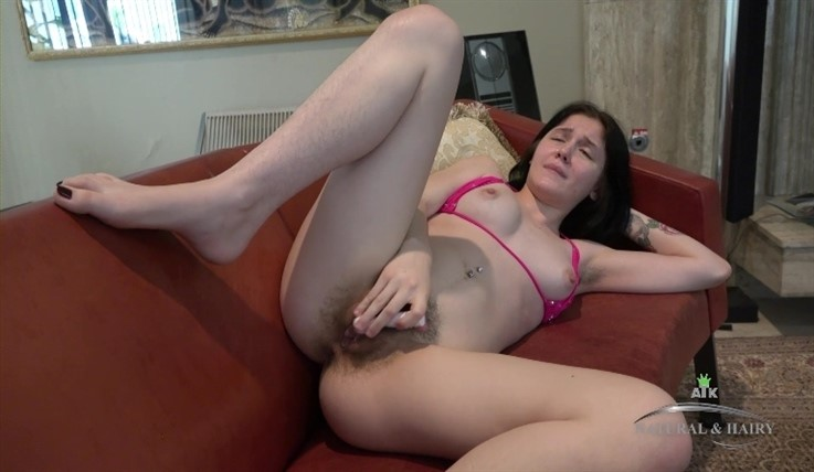 [Full HD] Rosalyn Sphinx - Toy Masturbation 17.06.20 Rosalyn Sphinx - SiteRip-00:13:02 | Medium Tits, Masturbate, Hairy, Solo, Posing - 681,1 MB