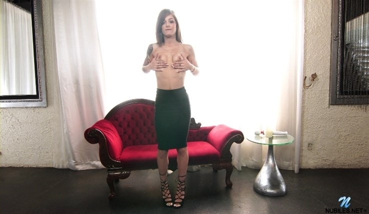 [Full HD] Roxy Ryder - Roxy Gets Her Rocks Off 28.06.20 Roxy Ryder - SiteRip-00:12:06 | Mini Skirt, Small Boobs, Solo, Brunette, Shaved Pussy, Big Nipples, High Heels, Lingerie, Long hair, Massage ...