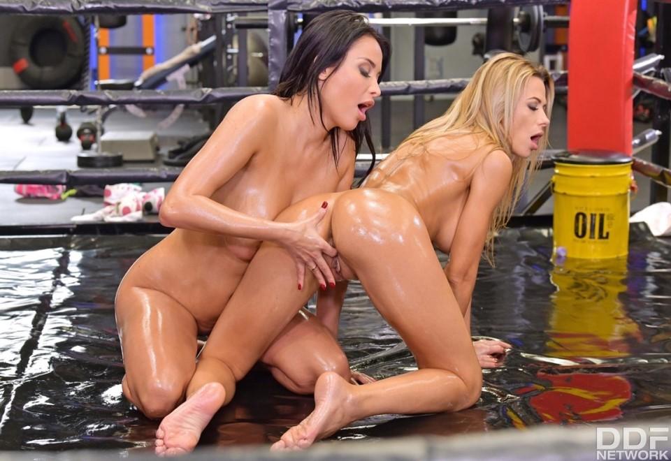 [HD] Shalina Devine & Anissa Kate - An XXX-Treme Workout Regimen - Part 1 Mix - SiteRip-00:44:23 | Masturbation, Pussy Licking, Lesbian, MILF, Orgasm, Big Tits - 1,4 GB
