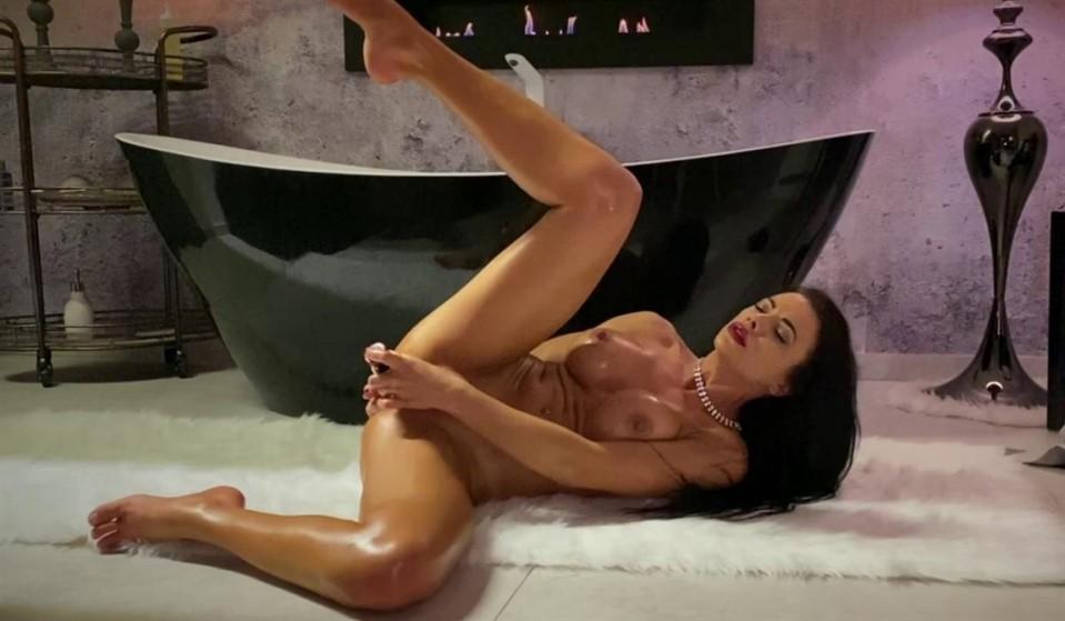 [Full HD] Shalina Devine - Classy Shalina Devine Romantic Anal Toying At The Bathtub Shalina Devine - SiteRip-00:26:55 | Brunette, Big Tits, Masturbation, Babe, Solo, Bathroom, Anal, Pornstar, Roma...