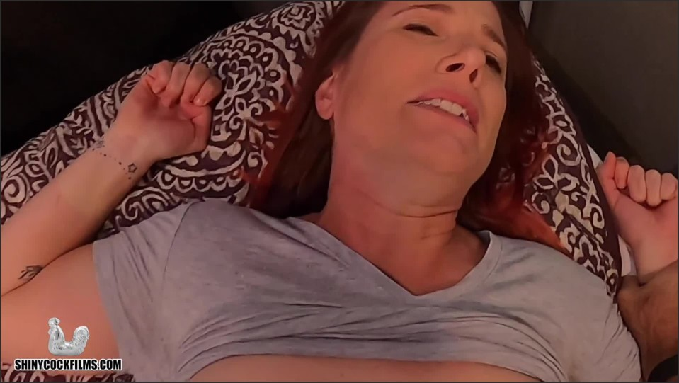 [Full HD] Shiny Cock Films Son Wont Let Mom Reject Him Shiny Cock Films - Manyvids-00:12:21 | Size - 623,2 MB