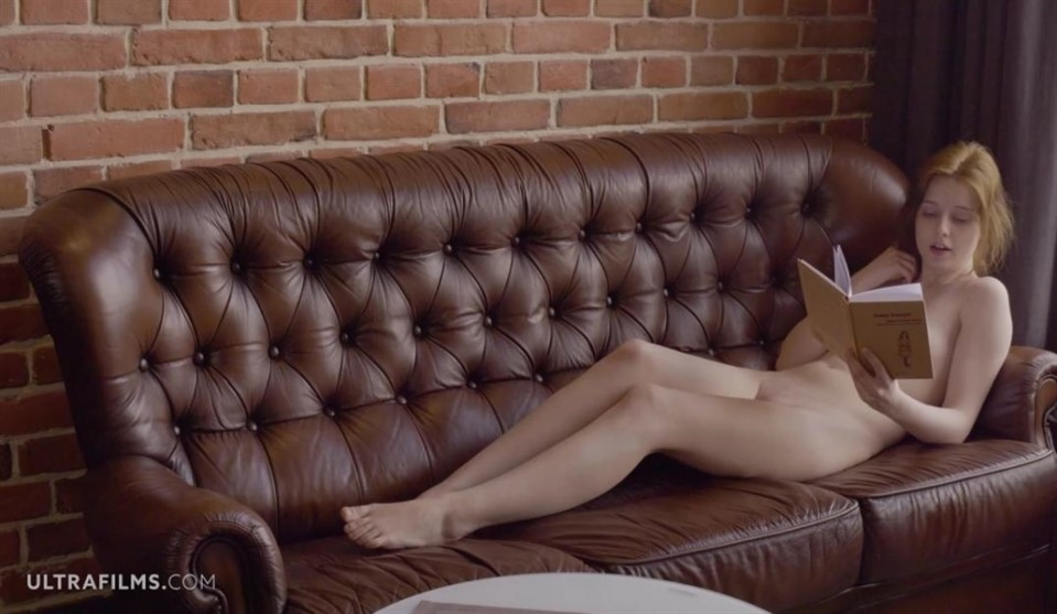 [Full HD] Sienna Kim - Nerd Checks Are Hot Mix - SiteRip-00:17:52 | Shaved Pussy, Masturbation, Solo - 1,4 GB