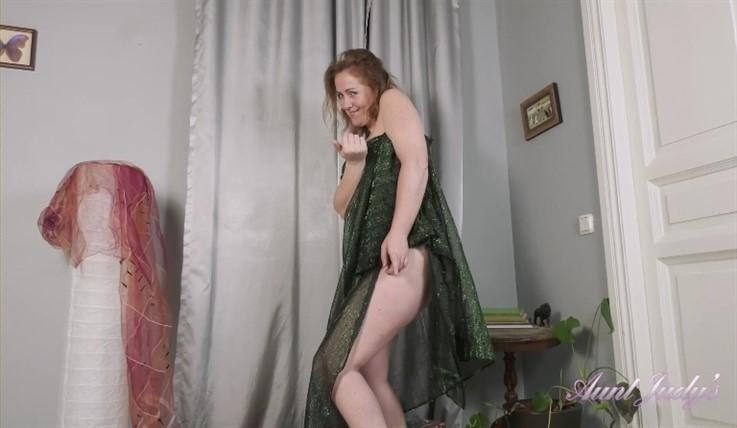 [Full HD] Valeria - Sensual Dance Tease & Fullbush Masturbation 24.06.20  Valeria - SiteRip-00:15:05 | MILF, Masturbation, Armpit Hair, Redhead, Over 40, Teasing, Fullbush, mature and hairy - 728,6 MB