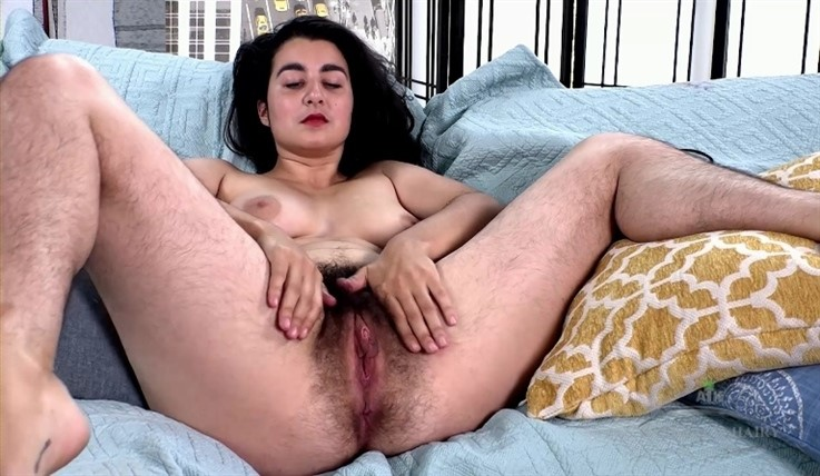 [Full HD] Wara - Masturbation 16.06.20 Wara - SiteRip-00:15:37 | Medium Tits, Masturbate, Solo, Hairy, Bush - 685,2 MB