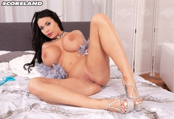 [4K Ultra HD] Anastasia Doll - Dressing The Scoreland Doll 30.01.21 Anastasia Doll - SiteRip-00:19:56 | High Heels, Bikini, Solo, Masturbation, Brunette, Boob Play, Lingerie, Big Tits - 4,9 GB