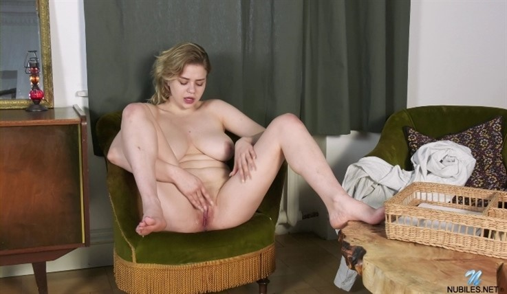 [Full HD] Bella Breeze - Ready To Go 29.06.20 Mix - SiteRip-00:14:01 | Shaved Pussy, Solo, Short Hair, Big Areolas, Big Boobs, Blonde - 682,7 MB