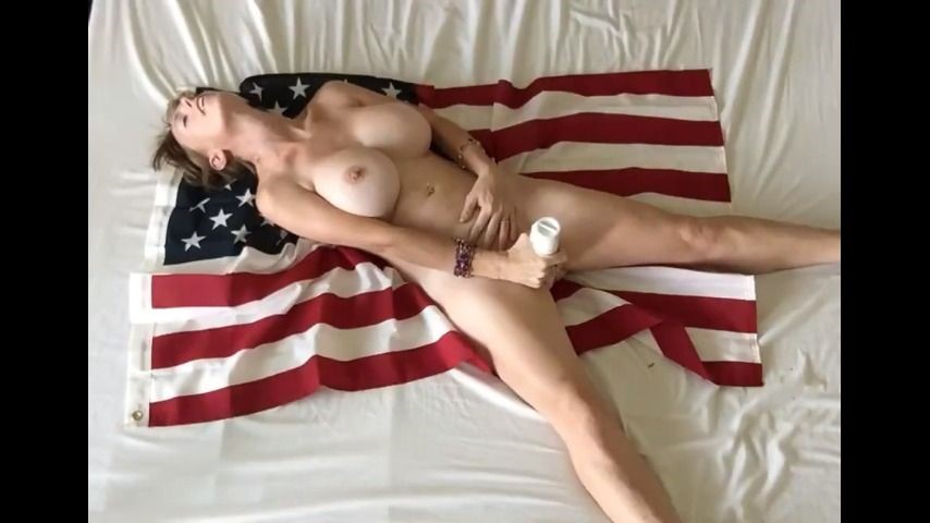 [SD] boltonwife 4th july flag cum boltonwife - ManyVids-00:08:22 | MILF,Independence Day,Masturbation,Vibrator,Big Tits - 23,6 MB