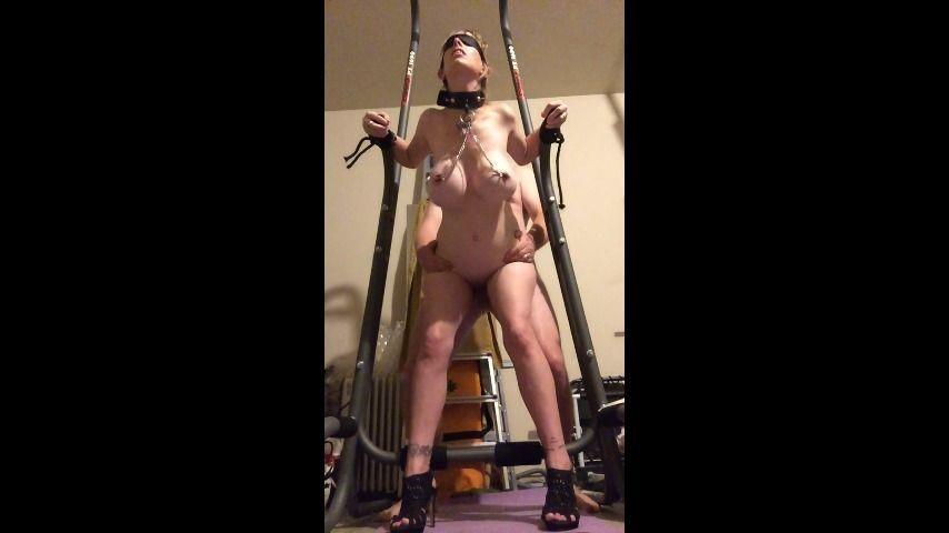 [HD] boltonwife garage bondage session boltonwife - ManyVids-00:13:46 | Bondage,Collars / Leashes,Doggystyle,MILF,Nipple Clamps - 1 GB