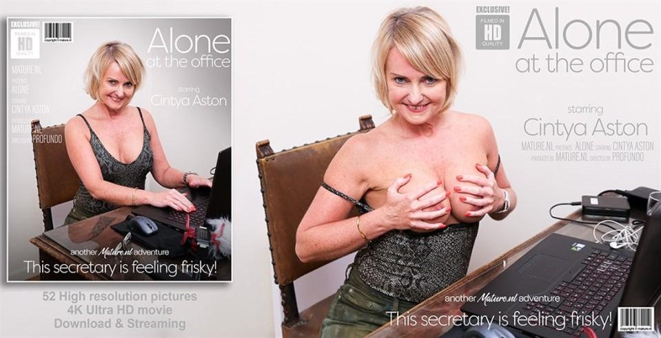 [Full HD] Cintya Aston - Alone at the office, this mature secretary starts to feel herself up Cintya Aston (EU) (51) - SiteRip-00:21:19 | Masturbation, Solo, Shaved - 1 GB