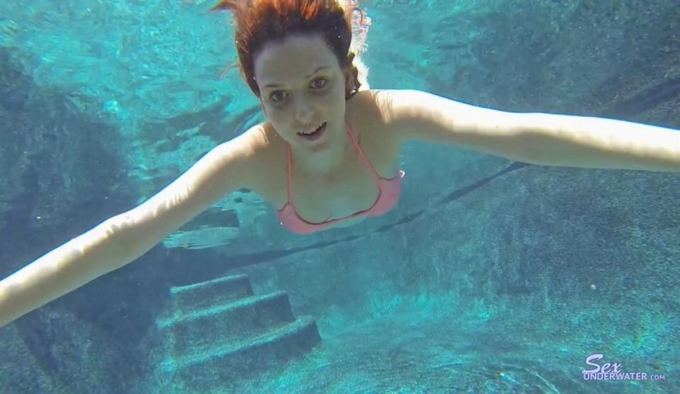 [Full HD] Emma Evins Emma Evins - SiteRip-00:17:52   Posing, Solo, Bikini, Underwater - 1 GB