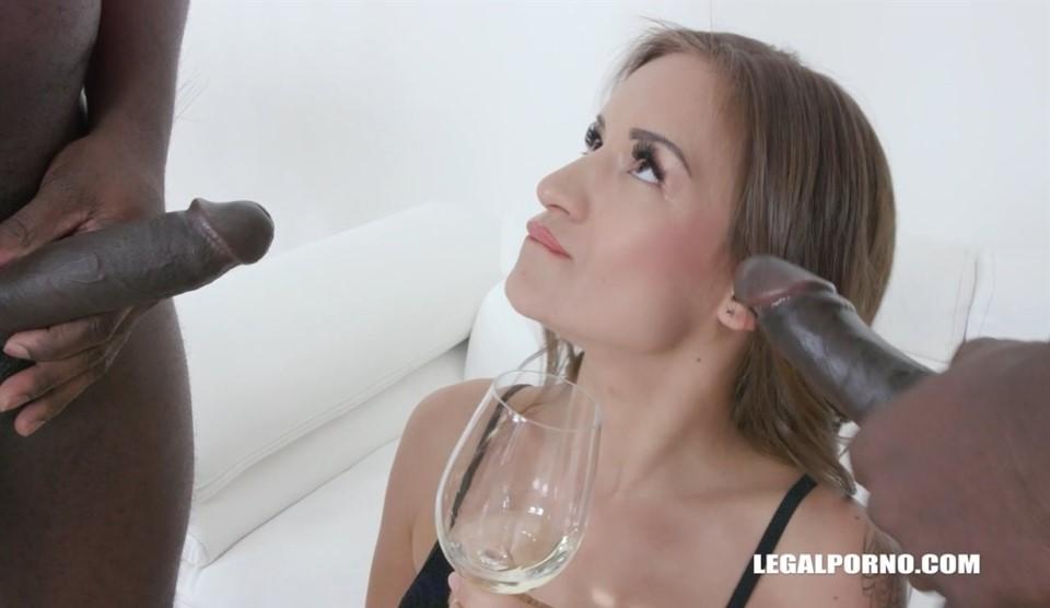 [HD] Evia Rose Wants To Try African Champagne IV367 Evia Rose, Joachim Kessef, Alan Gwada - SiteRip-00:53:29 | DAP, Anal, Brunette, Interracial, Pissing, Gape, DP, Big Ass Butt - 1,7 GB