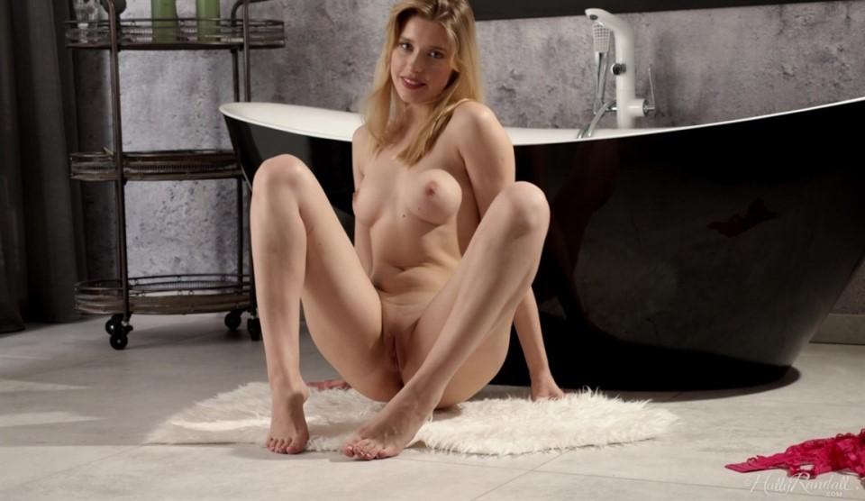 [Full HD] Freya Mayer - Seductive Sweetness Freya Mayer - SiteRip-00:17:04 | Masturbation, Curvy, Busty Natural, Beautiful Face, Wet, Blondes, College Girl, Glamour, Euro Babe, Barefeet, All Natural, Young - 996,9 MB