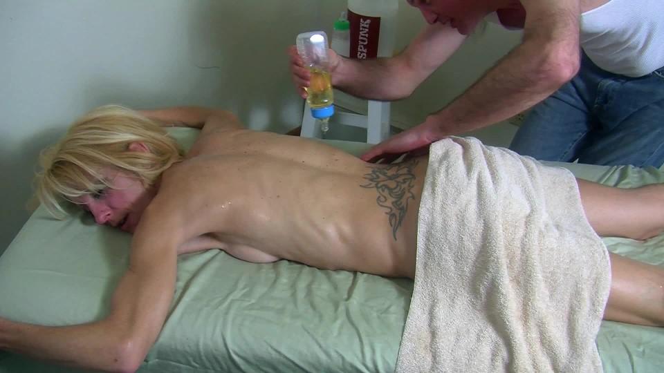 [Full HD] Gina Starr Gina Gets Her Happy Ending Gina Starr - ManyVids-00:10:41 | Massage,Handjobs,Amateur,MILF,Blonde - 884,3 MB