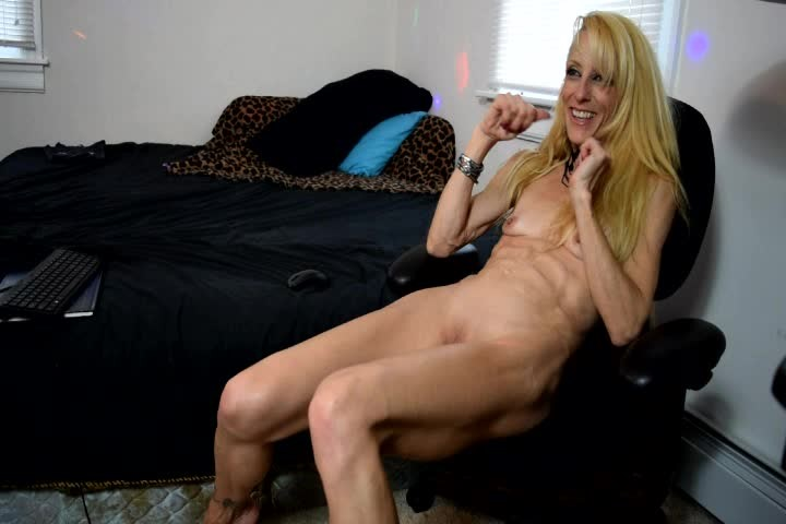 [SD] Gina Starr The Gina Starr Web Show Gina Starr - ManyVids-00:29:16 | Webcam,Blonde,MILF,Small Tits,Blow Jobs - 623,1 MB