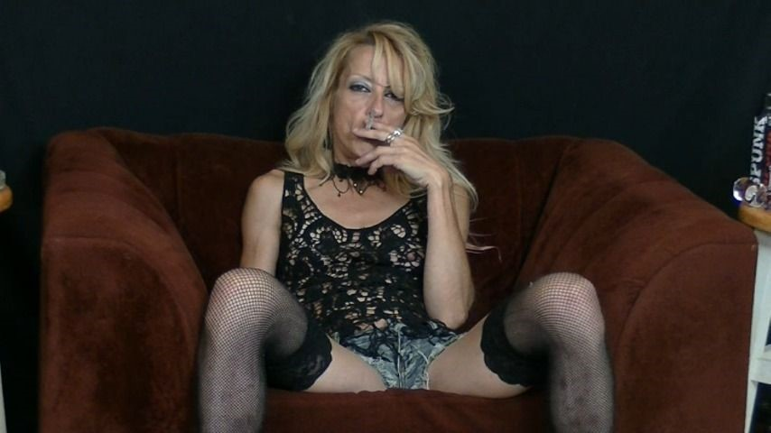 [Full HD] Gina Starr The Smoking Slut Gina Starr - ManyVids-00:28:06 | Condom Blowjobs,Blonde,MILF,Blow Jobs,Smoking - 635,7 MB