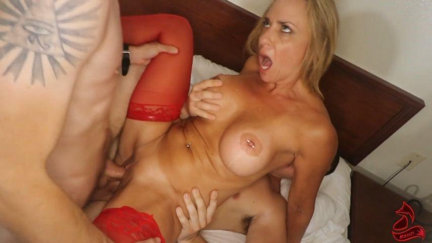 [Full HD] Kenzifoxx Banged By The Gang Kenzifoxx - ManyVids-01:14:09 | Double Vaginal,Double Penetration,Gangbangs,Cream Pie,Facials - 2,3 GB