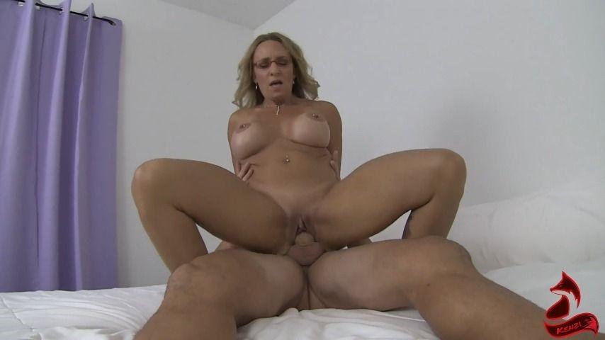 [Full HD] Kenzifoxx Horny Milf Tutor Takes Advantage Of Teen Kenzifoxx - ManyVids-00:17:20 | Ball Sucking/Licking,Cum On Tits,MILF,Teacher Fetish,Teens (18+) - 424,7 MB