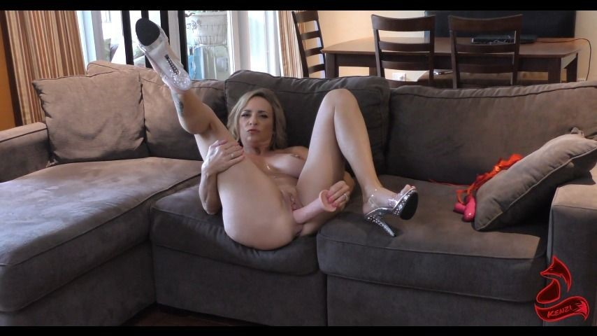 [Full HD] Kenzifoxx Let Kenzi Jerk You Off Kenzifoxx - ManyVids-00:11:55 | Pussy Play,Dildo Fucking,JOI,Dildo Sucking,MILF - 314,7 MB