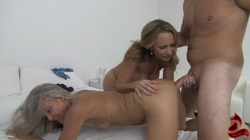 [Full HD] Kenzifoxx You Like Mommys Panties Kenzifoxx - ManyVids-00:21:28 | Teens (18+),Threesome,Lesbians,Taboo,Family - 554,9 MB