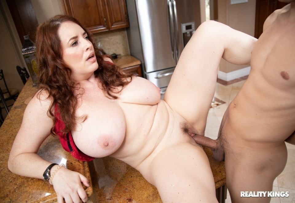 [Full HD] Maggie Green - A MILF Brought Me Back To Life Maggie Green - SiteRip-00:28:43   MILF, All Sex, Big Tits, Blowjob - 554,5 MB