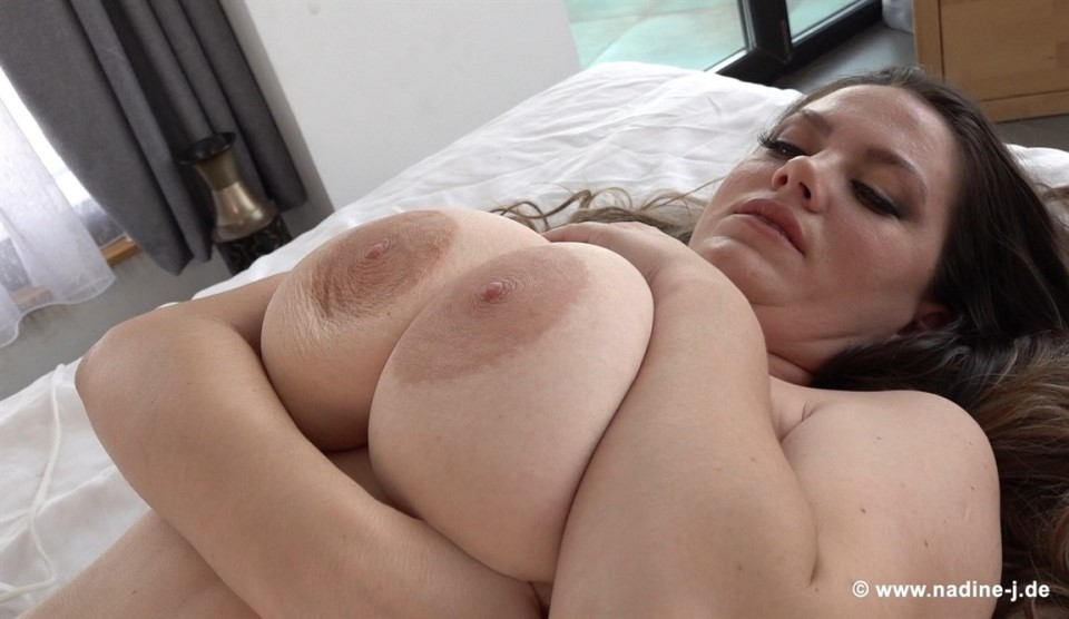 [Full HD] Mary Selino - In White Mary Selino - SiteRip-00:15:19 | Solo, Big Natural Tits - 1,3 GB