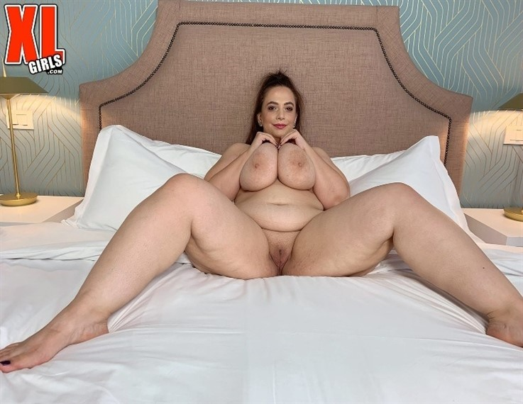 [4K Ultra HD] Mia Sweetheart - A Whole Lotta Boob Shakin Going On 28.01.21 Mia Sweetheart - SiteRip-00:18:55 | Boob Play, XLGirls, Toy, Solo, JOI, Masturbation, Brunette, Big Ass, Big Tits, BBW - 4,5 GB