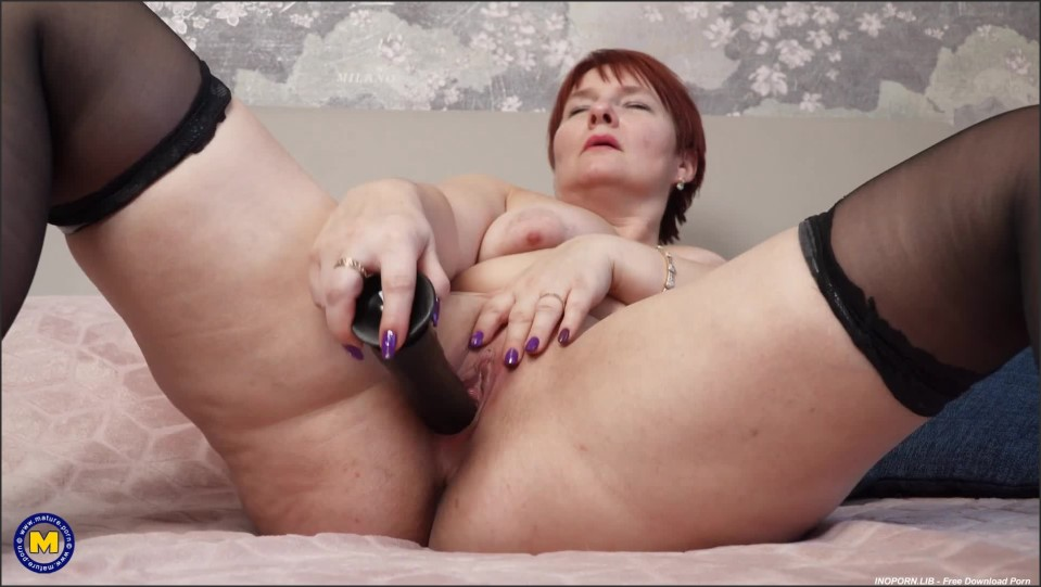 [Full HD] Nadine - Mature Nadine gets wet while her husband is at work Nadine (45) - SiteRip-00:18:13 | Toys, Pantyhose, Solo, Masturbation, Shaved - 728,4 MB