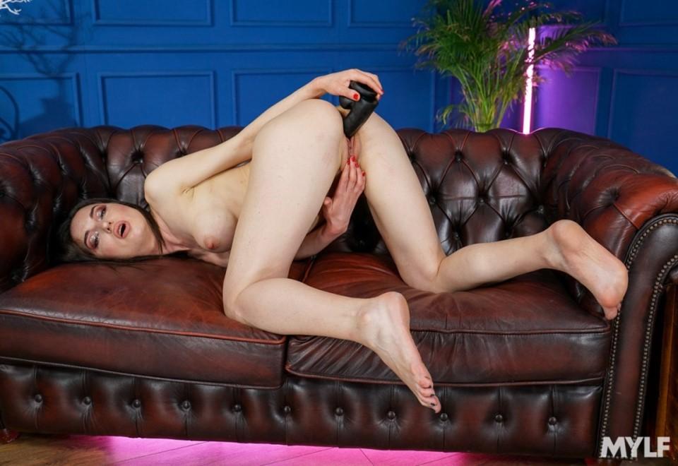 [Full HD] Nataly Gold - I Don'T Need A Man Nataly Gold - I Don'T Need A Man - SiteRip-00:24:43 | Black Hair, Small Ass, Mature, Big Tits, Milf, Solo Sex, Black Cock, White, Fake Tits, Medium Tits, Dildo - 2,1 GB
