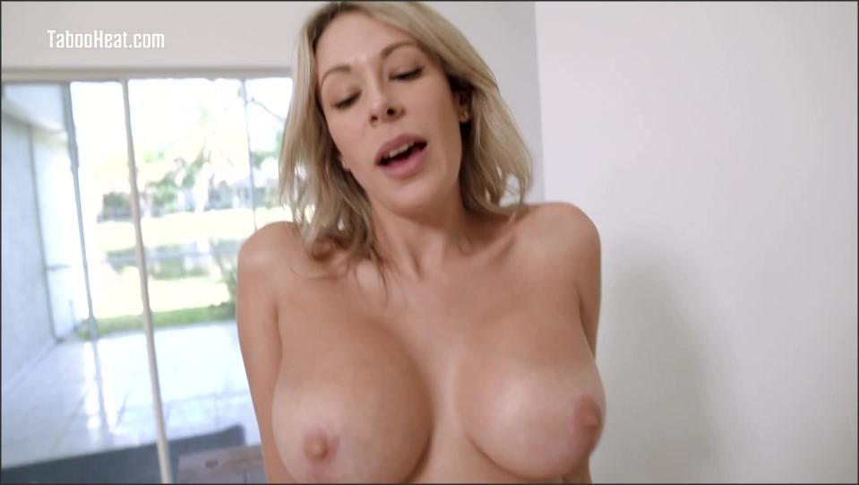 [Full HD] Nikki Brooks. Moving in With My Stepmom Nikki Brooks - SiteRip-00:46:34 | pov, big tits, milf, taboo, cumshot, big ass, facial, all sex, blowjob, roleplay - 2 GB