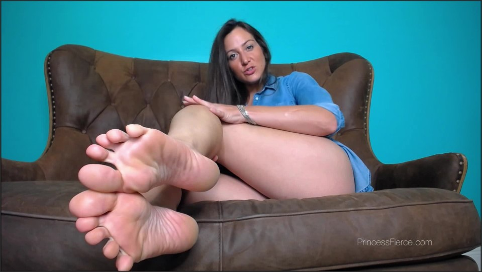 [Full HD] Princess Fierce - Foot Humiliation Clip Buying Day Princess Fierce - Manyvids-00:05:42 | Size - 554,2 MB