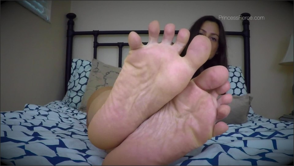 [Full HD] Princess Fierce - Piggy Paying Foot Stroking Mind Fuck Princess Fierce - Manyvids-00:08:05 | Size - 401,6 MB