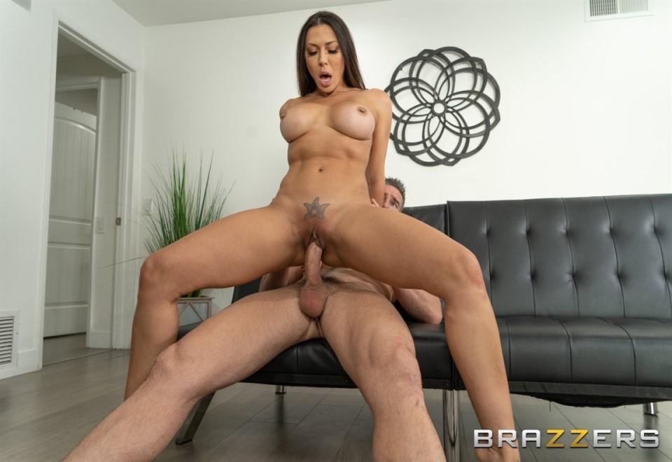 [HD] Rachel Starr - Rachel Gets Stuck Rachel Starr - SiteRip-00:29:51   Blowjob, Big Tits, All Sex - 343,4 MB