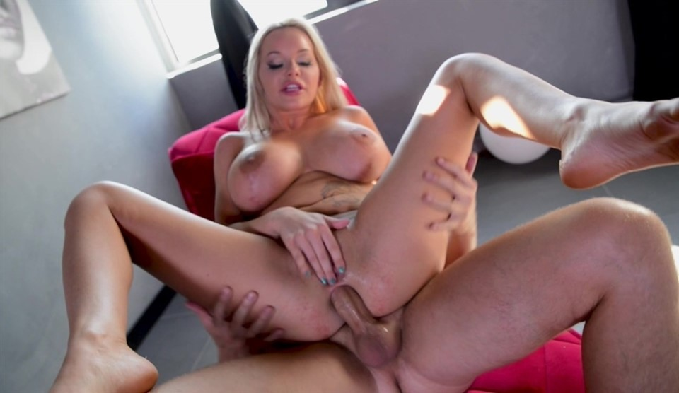 [HD] Rachele Richey - The American Slut Is Back For Anal & Squirting RA030 Rachele Richey - SiteRip-00:40:43 | Blowjob, Anal, Tanned, Squirting, Deep Throat, Ass Licking, Blonde, Tattoo, Huge Tits,...