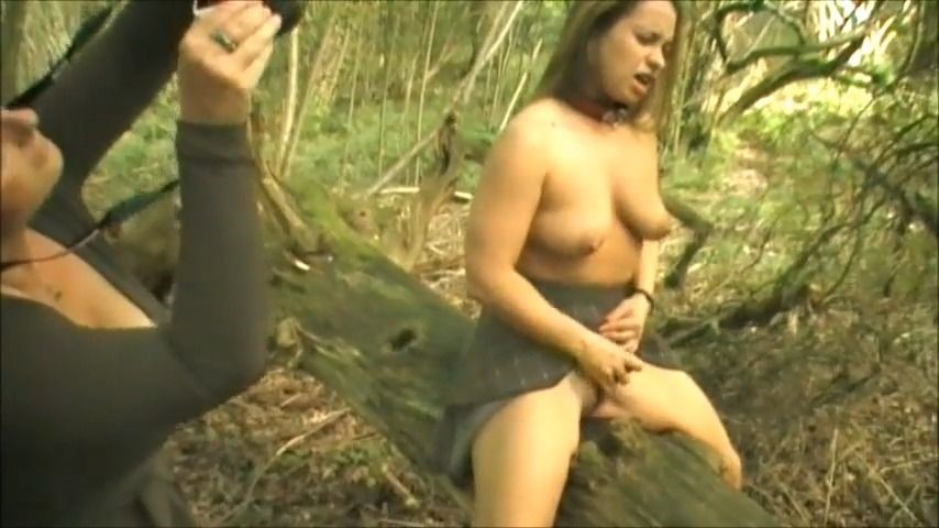 [SD] Red Heaven Media Her Mistress Takes Pictures In The Woods Red Heaven Media - ManyVids-00:13:54 | BDSM,Domination,Masturbation,Outdoors,Water Sports - 132,5 MB