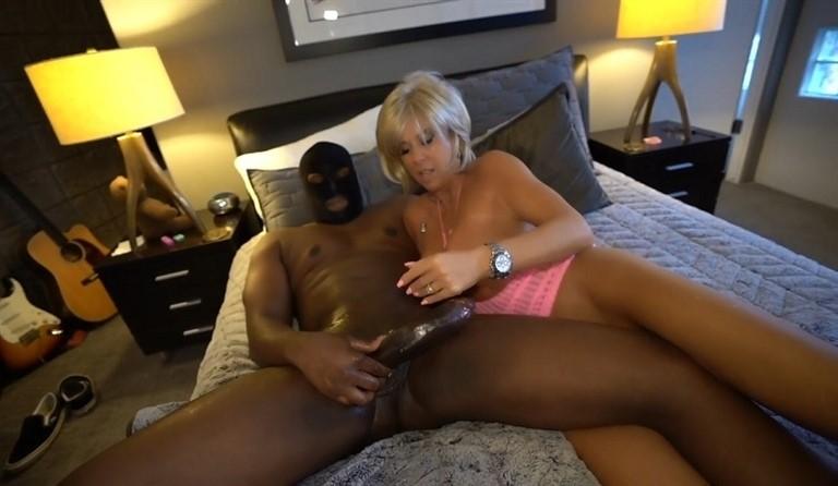 [HD] Sandra Otterson. 2021.01.30 Sandra Otterson - SiteRip-00:26:18   Big Cock, Interracial, Sexwife, Mature, All Sex - 976,2 MB