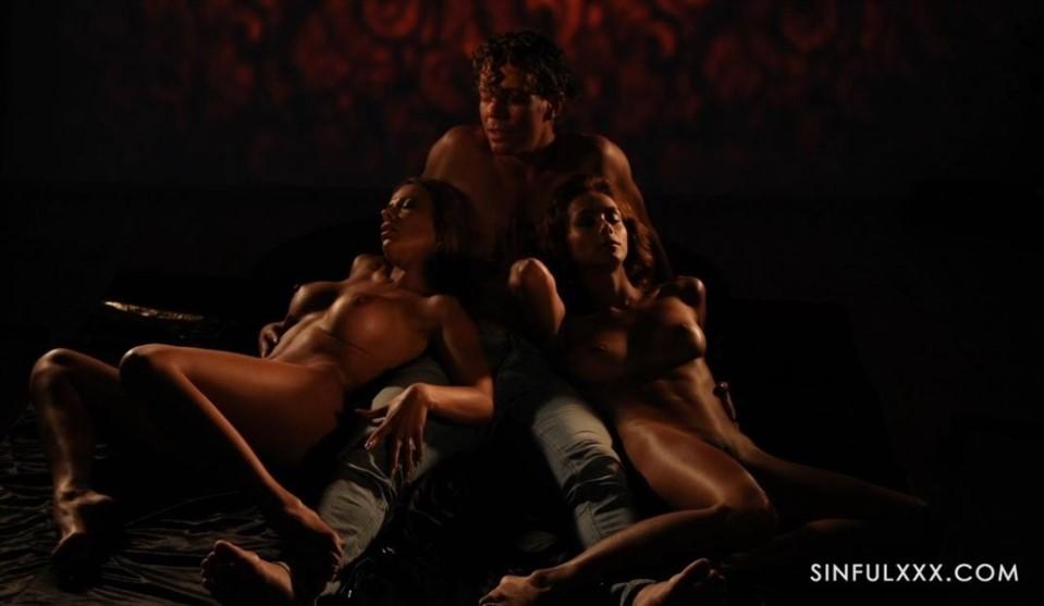 [Full HD] Shalina Devine, Veronica Leal Shalina Devine, Veronica Leal - SiteRip-00:30:04 | All sex, MFF, Group, Blowjob, Handjob, Hardcore - 3,2 GB