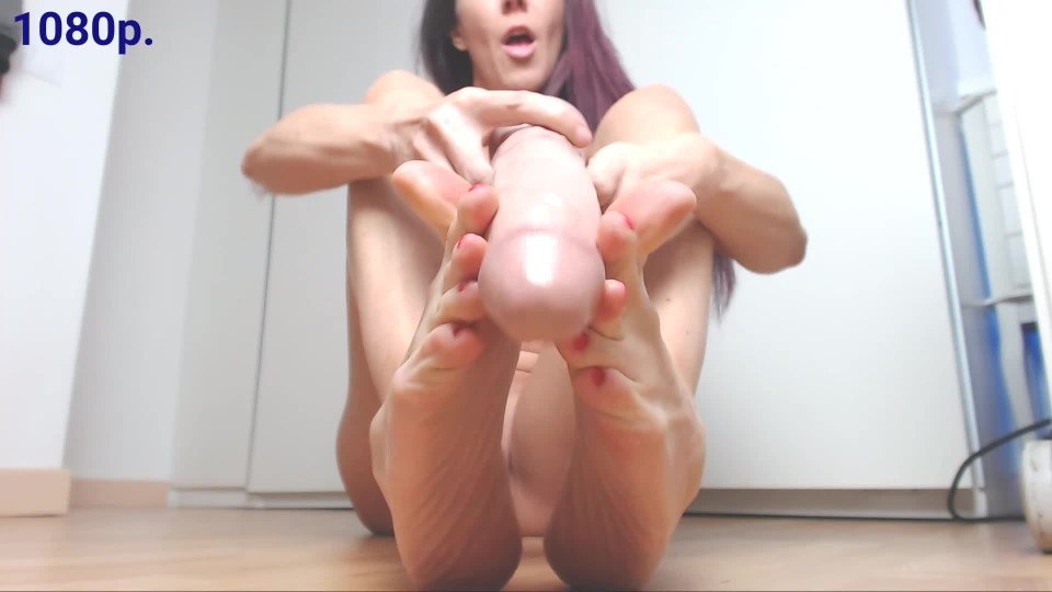 [Full HD] Spanishstar Feetjob With Red Nail Polish Spanishstar - ManyVids-00:04:25 | Long Toes,MILF,Toe Fetish,Toejobs,Toenail Polish - 83,8 MB