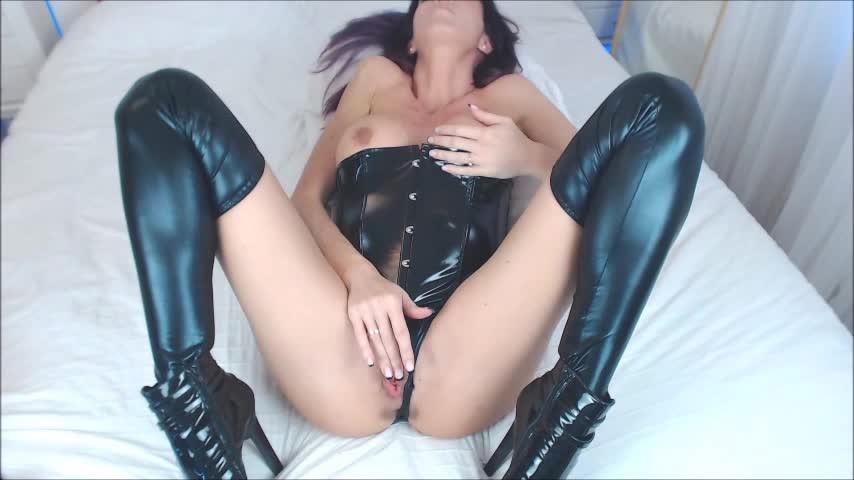 [SD] Spanishstar Fingering Pussy Anal Dildo Squirt Spanishstar - ManyVids-00:29:54 | Gaping,High Heels,MILF,Squirt,Toe Sucking - 673,9 MB