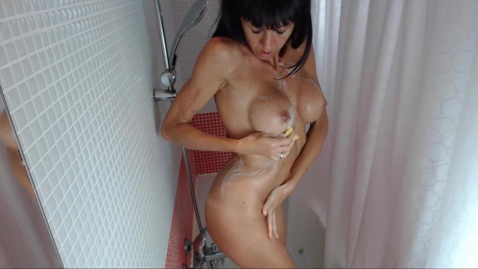 [Full HD] Spanishstar Shower Time Spanishstar - ManyVids-00:10:45 | Hair Washing,MILF,Shower,Shower Scenes,Tan Bodies - 238,1 MB